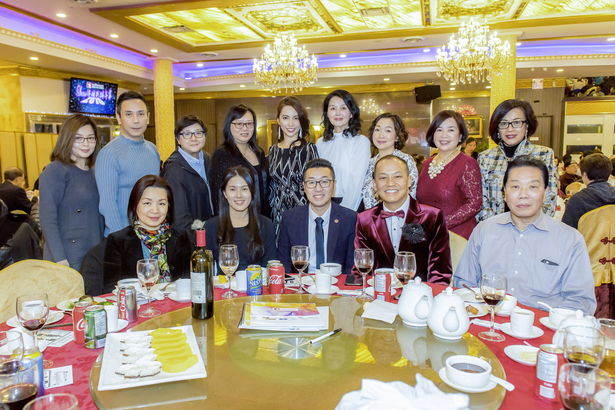 Head Table: Rocky Lo (Senior Director, Asia Revenue Management & Sales) & Andy Cheng & Kelly Huang, 皇家御宴: 譚老闆, 珍妮美容藝術學院 Teresa Wong & Cecilia Wong, Catwalk 專業指導 Vason Lam, Fairchild TV (Assistant General Manager, East) Connie Sephton